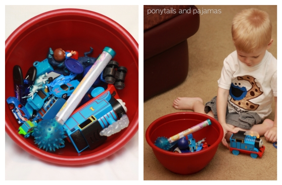Teaching your preschooler/toddler all about colors!  This post is all about the color BLUE. | ponytailsandpajamas.com